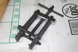 06-190-puller-2.JPG