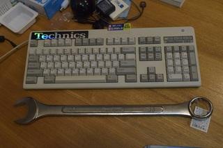 12-040-wrench.JPG